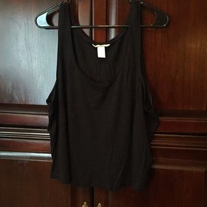 H&M Tops - Black flowy tank top